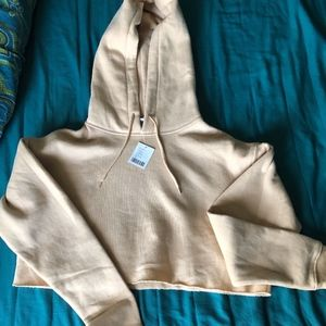 NWT Urban Outfitters Cropped Sweater in Beige Size
